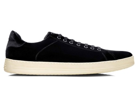 27_08-black-sneakers-white-2