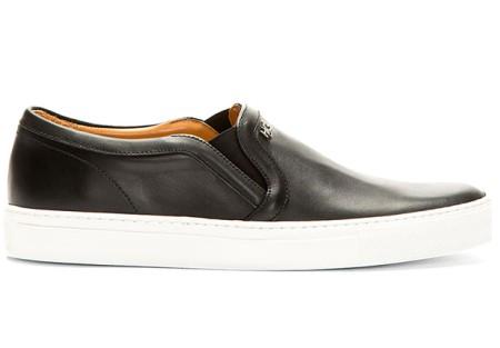 27_08-black-sneakers-white-5